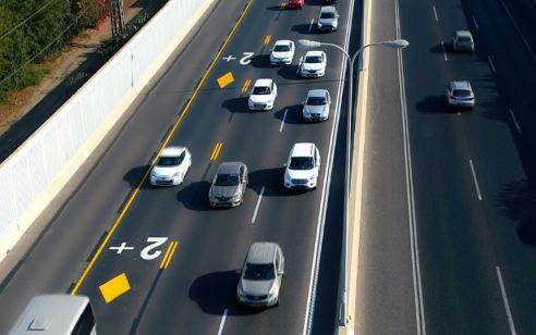 """לראשונה בישראל: """"נתיב פלוס"""" יצא היום לדרך – נתיבי תחבורה ייעודיים לרכב עם שני נוסעים ומעלה בכביש 2 ובכביש 20"""