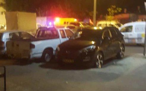 גבר כבן 40 נפצע קשה מדקירה בתל אביב