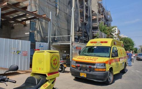 פועל כבן 40 נהרג לאחר שנפל מגובה באתר בנייה ברעננה