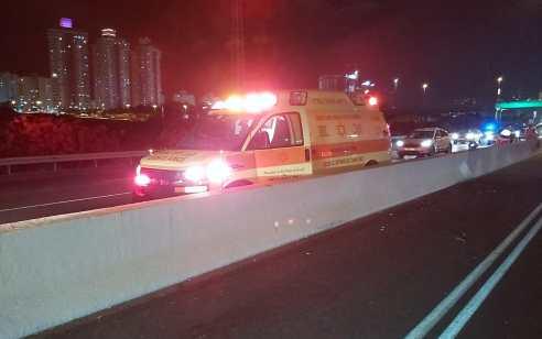 רוכב אפונע כבן 40 נהרג בתאונה בכביש 2 סמוך לגשר השלום