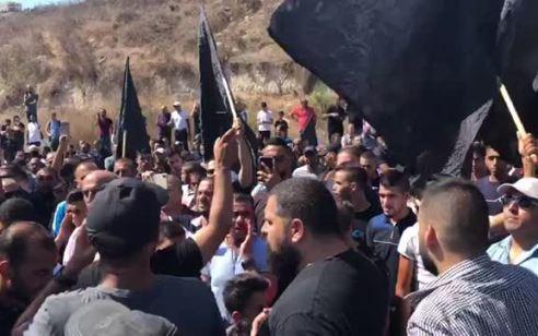 מאות מפגינים נגד האלימות במגזר הערבי – מספר כבישים נחסמו לתנועה | תיעוד