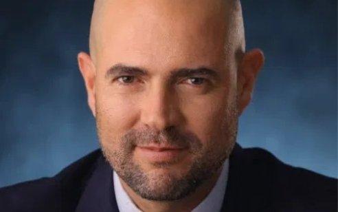 אחרי שפרסמו פרטים מחקירתו: ניר חפץ הגיש תביעה נגד שר המשפטים  אמיר אוחנה ויעקב ברדוגו