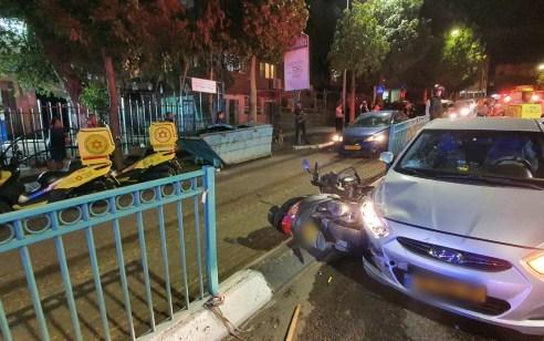 רוכב קטנוע כבן 30 נפגע מרכב בטבריה – מצבו בינוני