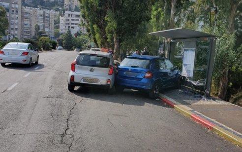 הולכת רגל כבת 50 נפצעה קשה מפגיעת רכב בחיפה