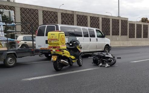 רוכב אופנוע כבן 18 נפגע מרכב סמוך למחלף יוספטל – מצבו בינוני