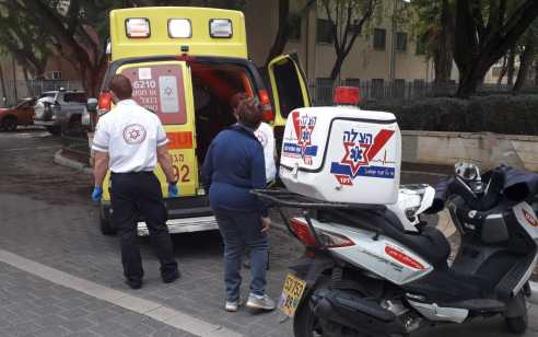ילד בן 10 נפל מגובה בגן שעשועים בתל אביב – מצבו בינוני