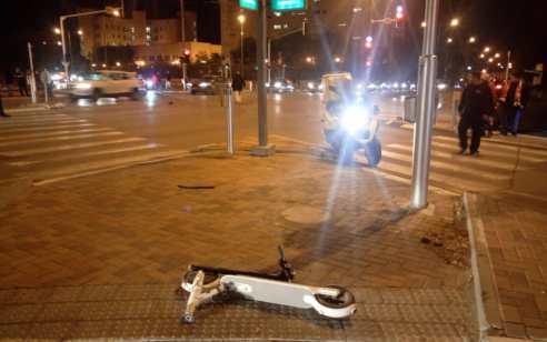 רוכבת קורקינט חשמלי כבת 40 נפגעה מרכב בבאר שבע – מצבה בינוני