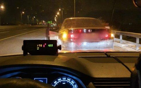 """נהג חדש בן 20 נתפס במהירות 175 קמ""""ש בכביש 40"""