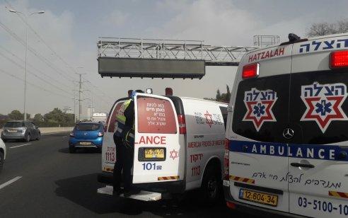 רוכב אופנוע בן 41 נפצע בתאונה עצמית בכביש 4 סמוך לאלוף שדה – מצבו בינוני