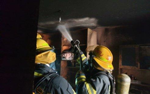 ארבעה נפגעים בינוני וקל, בהם 2 תינוקות, בשריפת בית בבית שמש