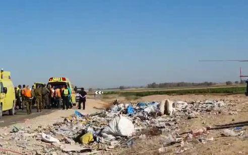 נהג משאית כבן 40 התהפך סמוך לצאלים ופונה במצב קשה