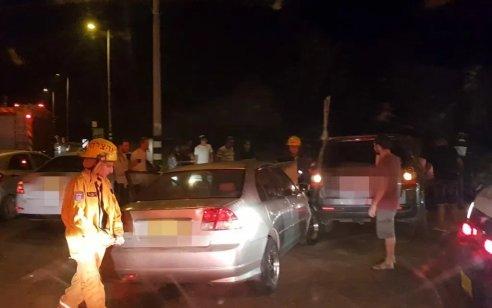 שלושה פצועים במצב בינוני בתאונה בין 3 רכבים סמוך לצומת חלץ