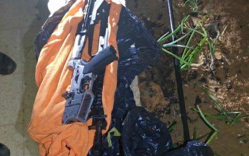 רובה מסוג M16 נתפס בחיפוש בכפר סמוע – ערבי תושב המקום נעצר