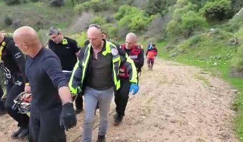 רוכב אופנוע נפל לואדי ביער שוויץ בטבריה וחולץ במצב בינוני