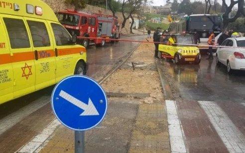 הולך רגל כבן 70 נפצע אנוש מפגיעת רכב בירושלים – בבית חולים נקבע מותו