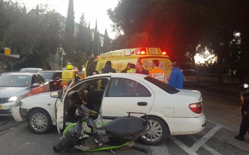 רוכב אופנוע כבן 26 נפגע מרכב בחיפה – מצבו בינוני