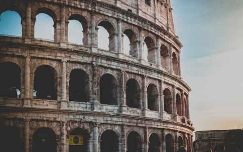 קורונה באיטליה: אחרי מעל 500 מתים ואלפי חולים – סגר מוחלט במדינה