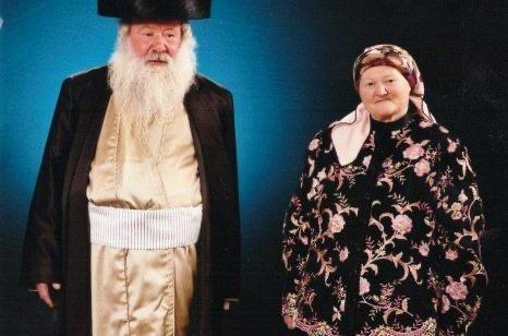 הרב צבי הירש פרוש בן 58 נפטר לאחר שחלה בקורונה – שלושה ימים לאחר שאשתו ביילא נפטרה בגיל 52