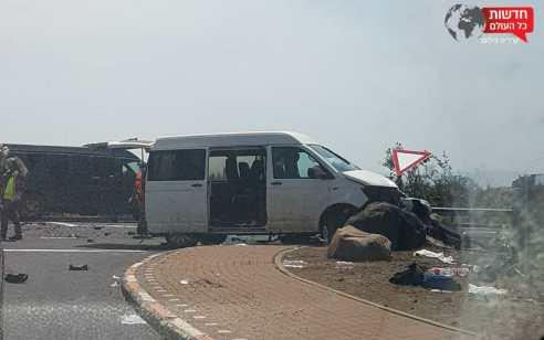בת 50 נפצעה בינוני ו-13 נשים נפצעו קל בתאונה בכביש 87 סמוך לצומת בית צידה