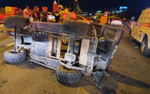 צעיר נפצע קשה בתאונה בין רכב שטח לרכב פרטי בכביש 4 סמוך לצומת עד הלום