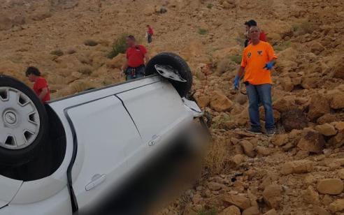 רכב התדרדר לתהום בסמוך לגן הלאומי מצדה – נהג הרכב כבן 50 נהרג במקום