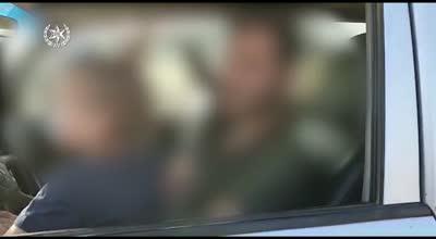 צפו: נהג תושב הצפון הסיע את בנו בן השנתיים על ברכיו