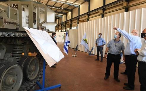 נשיא המדינה ביקר בחטיבת היבשה של אלביט שעסקה במשבר הקורונה גם בפיתוחים מצילי חיים