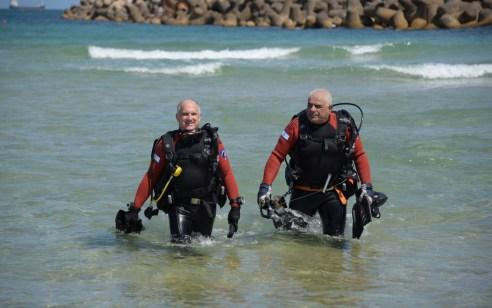 תיעוד מהחיפושים אחר הנעדר בחוף הקשתות באשדוד