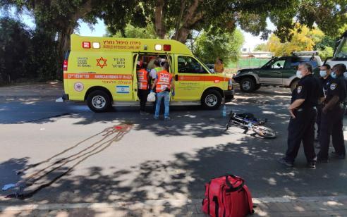 הולך רגל ורוכב אופניים חשמליים נפצעו בינוני וקל בתאונה באשקלון