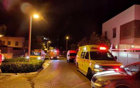 טרגדיה ברחובות: בן 45 נהרג ו-22 נפגעו קל משאיפת עשן בשריפת הוסטל בעיר