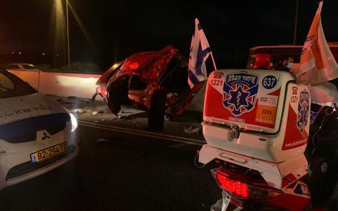 פצועה בינוני ו-2 קל כתוצאה מהתהפכות רכב בכביש 4 סמוך ליבנה