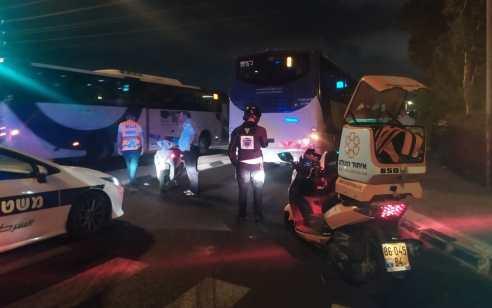 רוכבת אופניים חשמליים בת 57 נפצעה קשה בתאונה עם מעורבות אוטובוס בנתניה