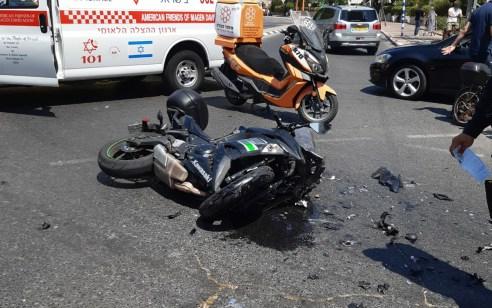 רוכב אופנוע בן 45 נפצע בתאונה באשדוד – מצבו בינוני