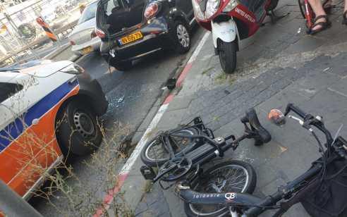רוכב אופניים חשמליים כבן 25 נפצע בינוני בתאונה בבת ים