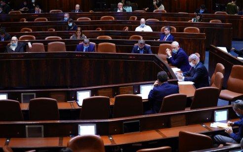 הכנסת אישרה בקריאה שנייה ושלישית את החוק להארכת תקנות לשעת חירום נגד הקורונה