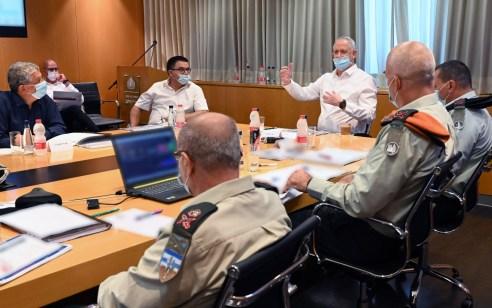 התפשטות נגיף הקורונה: שר הביטחון הורה על גיוס 500 אנשי מילואים נוספים – 10 מלונות ייפתחו עד שבוע הבא