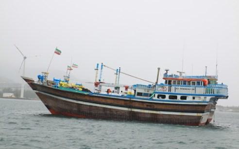 אחרי הפיצוצים: שבע ספינות עלו באש בנמל בושהר באיראן