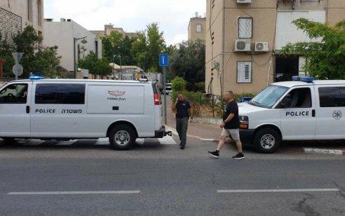 מטען חבלה התגלה מתחת לרכב בחניית בניין בחולון – המשטרה פתחה בחקירה