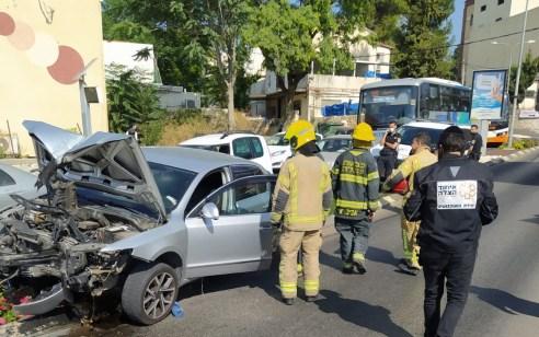 בן 30 התנגש עם רכבו בעמוד חשמל בצפת – מצבו קשה