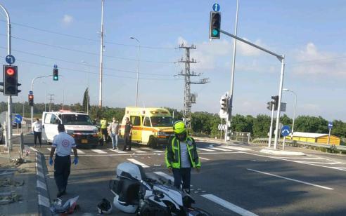 רוכב אופנוע בן 72 נהרג לאחר שנפגע מרכב בכביש 70