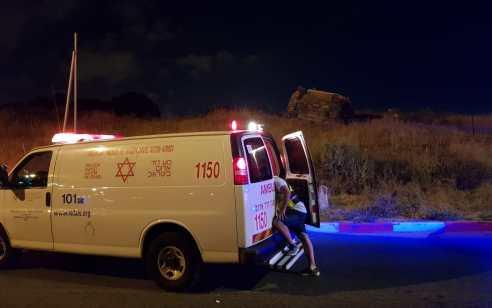 שלושה צעירים נפצעו קשה, בינוני וקל בהתהפכות רכב ברחובות