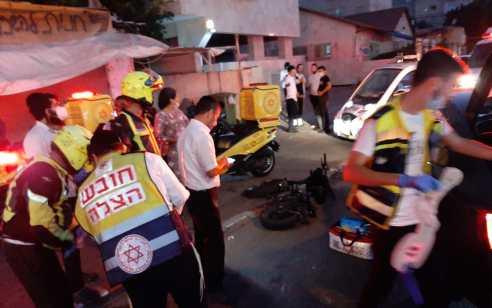 רוכבת אופניים חשמליים בת 16 נפגעה בתאונה עצמית בבני ברק – מצבה בינוני