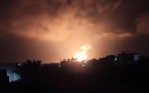 """בעקבות שיגור הרקטות לשדרות: חיל האוויר תקף מתחם צבאי לאחסון אמל""""ח של חמאס – מרחב הדיג נסגר לחלוטין"""