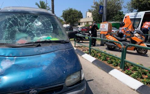 רוכב אופניים חשמליים בן 35 נפצע קשה בתאונה בתל אביב