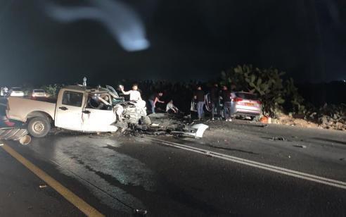 """אישה נהרגה ושלושה נפצעו קשה ובינוני בתאונה חזיתית בכביש 293 סמוך ליישוב פעמי תש""""ז שבנגב"""