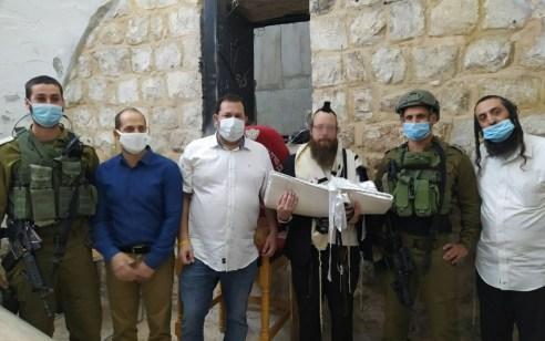 צפו: 20 שנה אחרי הנטישה – ברית בקבר יוסף