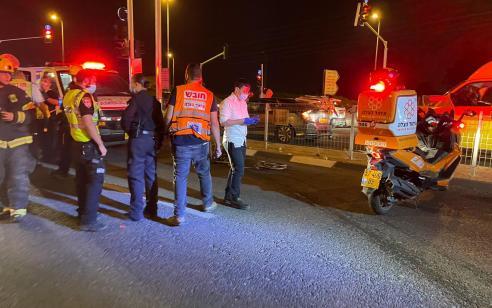 פצועה בינוני וארבעה קל בתאונה בכביש 40 סמוך לצומת אחים