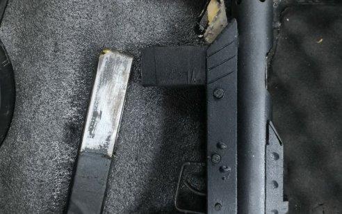 הלילה נתפסו נשק מסוג קרל גוסטב, תחמושת וסמים מסוכנים בבית במזרח ירושלים – אב ושני בניו נעצרו