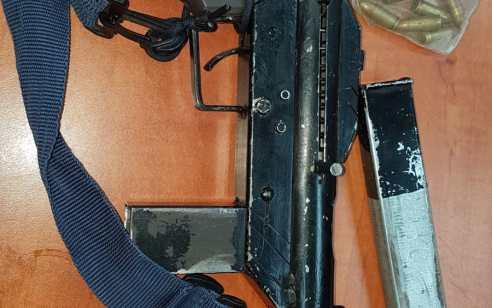 בפעילות בלשי משטרה בכפר תעמרה אותר רובה מסוג קרלו, מחסנית ותחמושת