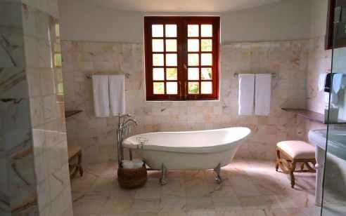 פעוטה טבעה באמבטיה בתל אביב – מצבה קשה